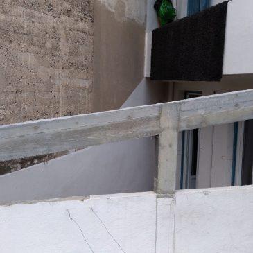 Coffrage d'une poutre en béton pour couvrir une terrasse